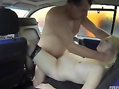 pregnant prostitute fucked in car