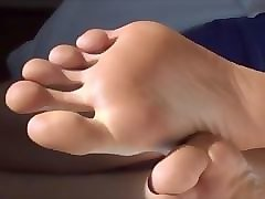 big feet long toes & shoe and bare soles