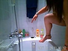 Baby Fat Beaty Bathes Hidden Spycam