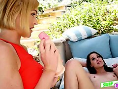 chloe couture and zoey laine having finger blass