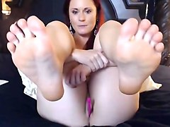 2 scenes cam feet in face no sound