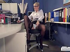 bums buero  german milf secretary gets pleased by bbc in hot interracial action